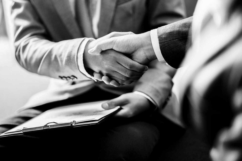 Handshake Bw